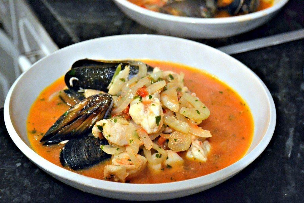 Sopa de pescado y marisco la guia de las vitaminas - Sopa de marisco y pescado ...
