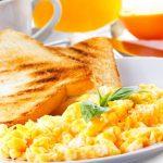 desayunar huevo