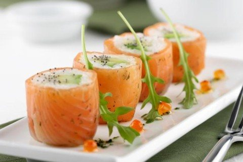 sushi de salmon marinado