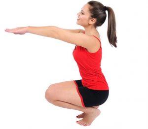 sentadillas-ejercicios para fortalecer la rodilla