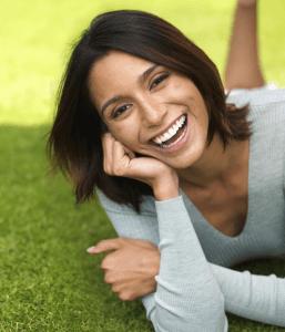 mujer-sana-sonriendo