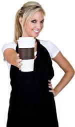 mujer-sosteniendo-taza-de-cafe