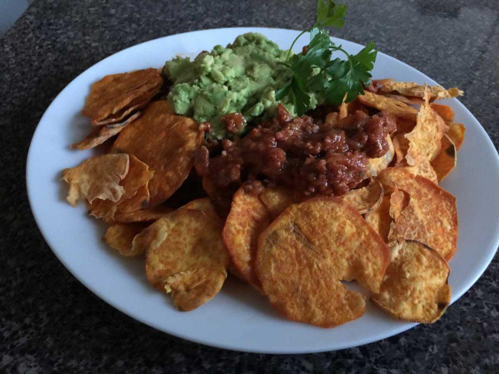 Paleo--nachos-de-camote-con-carne-molida