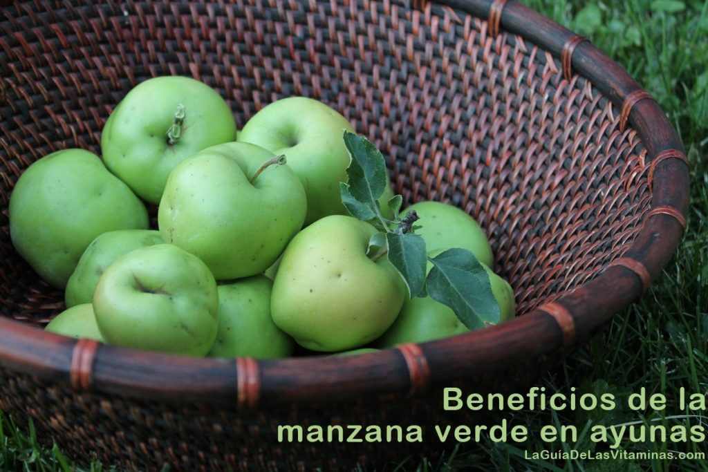 manzana-verde-en-una-canasta
