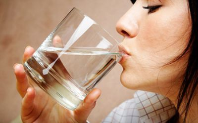 tomar agua-cuidar riñones