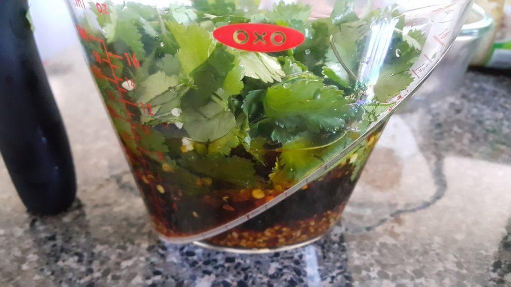 salsa-de-soya-con-jugo-de-limón-y-cilantro