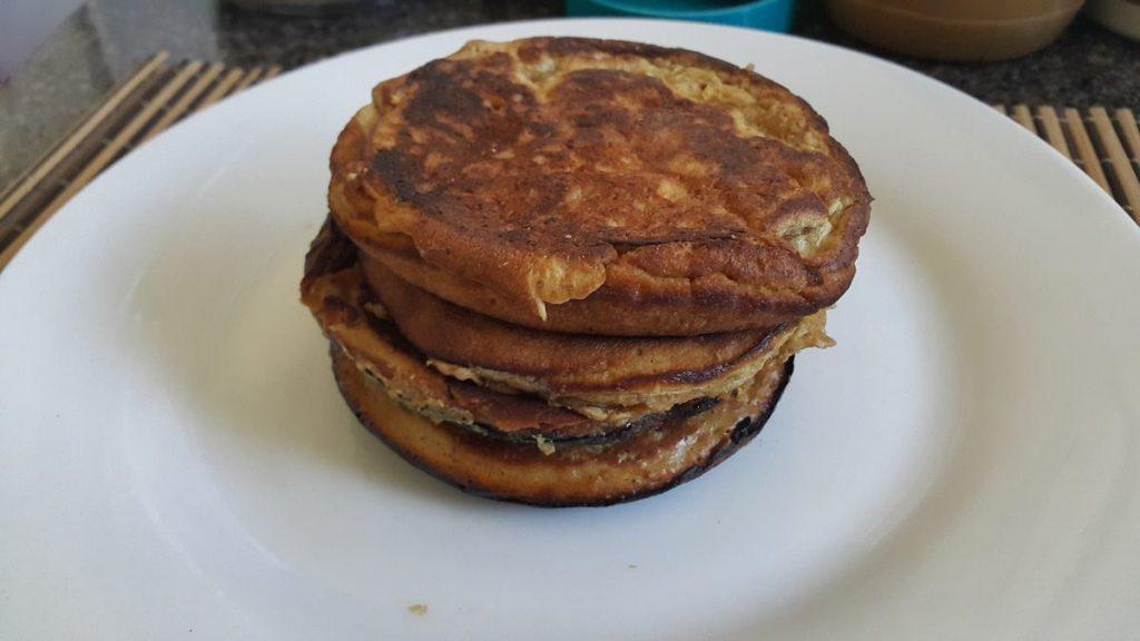 tortitas-americanas-hechas-con-mantequilla-de-mani