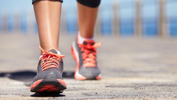 reducir cadera-caminar