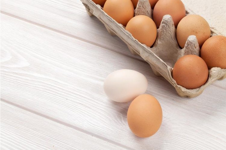 huevos-mesa