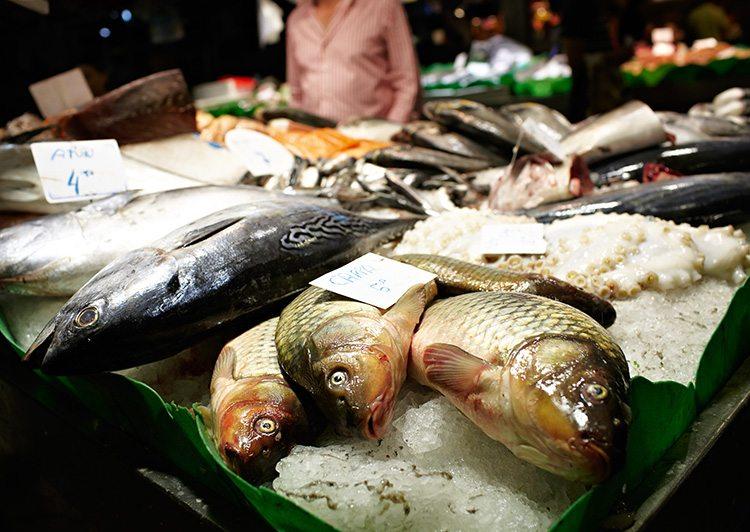 mariscos-de-venta-en-un-mercado