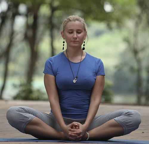 postura-de-yoga-Badhakonasana-o-zapatero