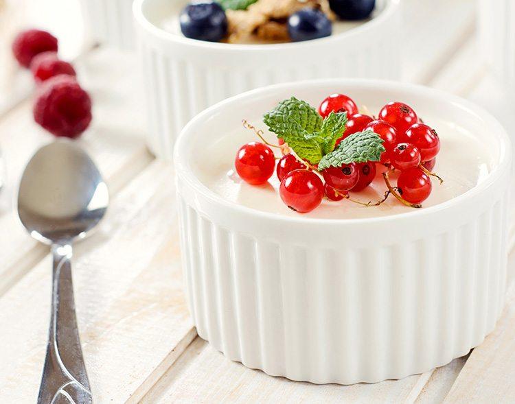 yogurt-con-cuchara-presentable