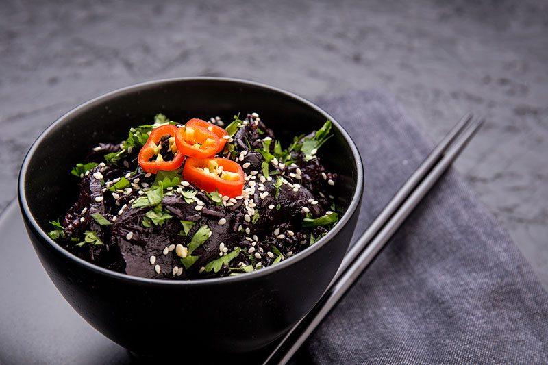 arroz-negro-con-hongos