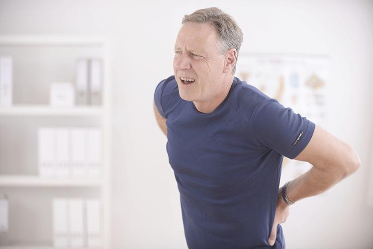 hombre-con-dolor-de-espalda