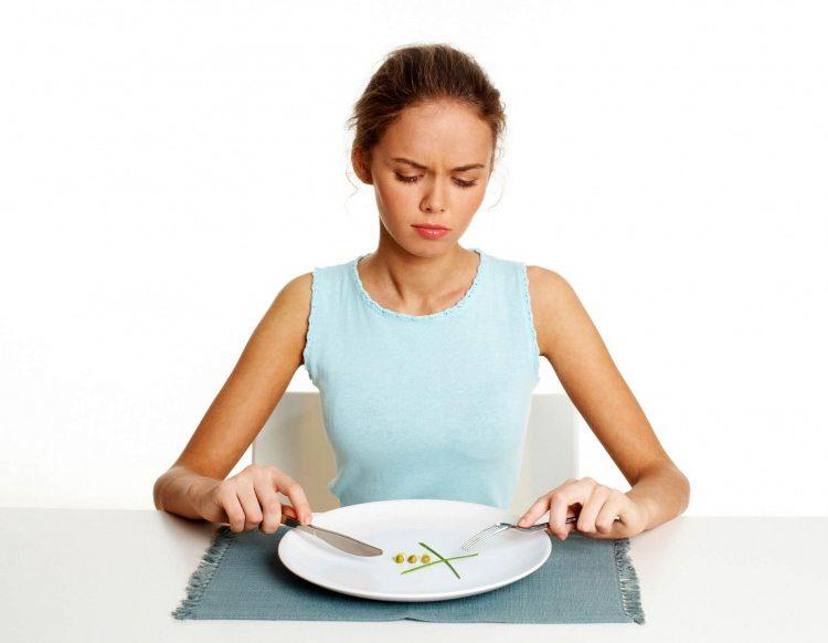 mujer-con-falta-de-apetito