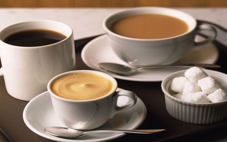 tazas-de-cafe-terrones-azucar