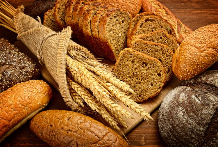 alimentos-de-fibra-sobre-mesa